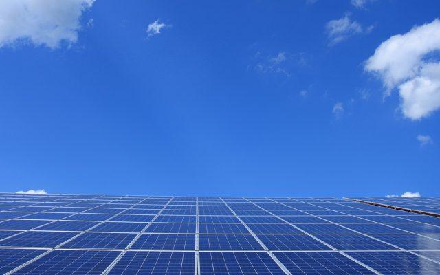 Aurinkopaneelit omakotitaloon tai teollisuuteen